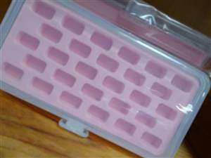 Hemline Bobbin Box with Tray - 28 cavity